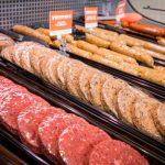 3 burgers sausages 1 150x150 - YamChops : une boucherie végétarienne à Toronto