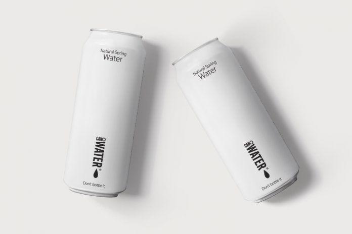 385903 1 800 - Des canettes d'eau minérale pour lutter contre les déchets plastiques