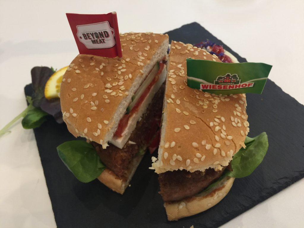 IMG 9973 1024x768 - Dégustation du burger Beyond Meat au SIAL