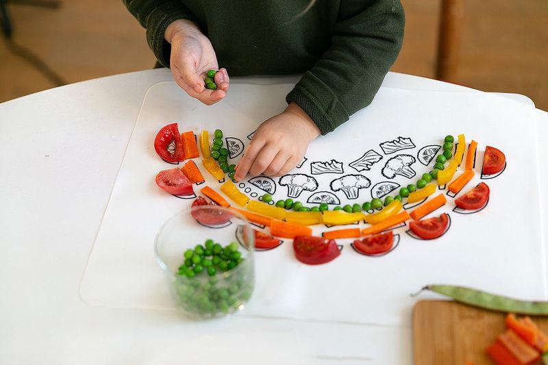 391755 1 800 - Un plateau interactif pour faire aimer les légumes aux enfants