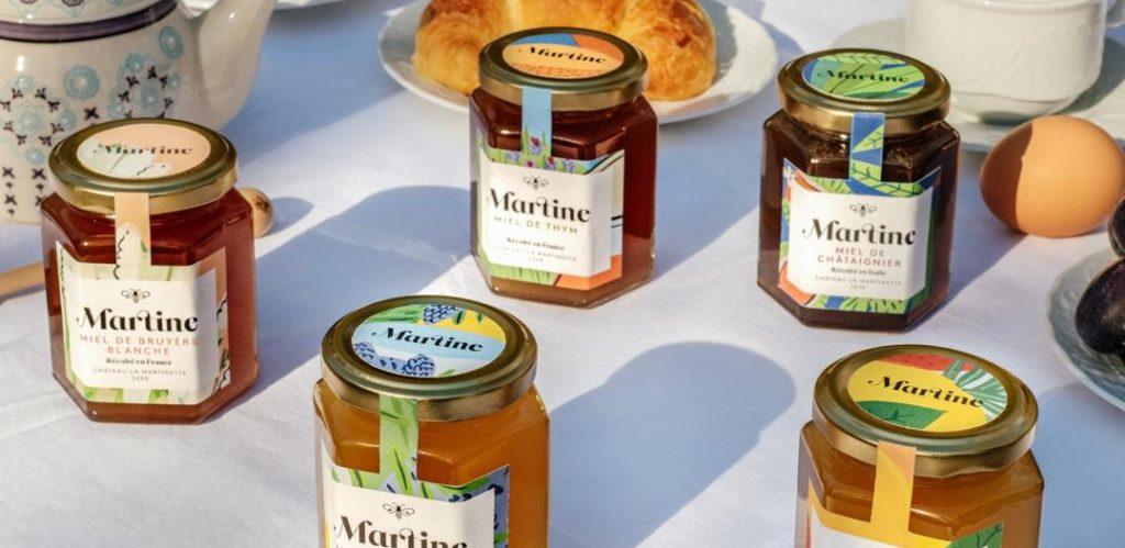 SZ Martine DSCF0159 retouche 4 e1560426628685 1024x499 - Martine : les miels français d'exception ont enfin un prénom !