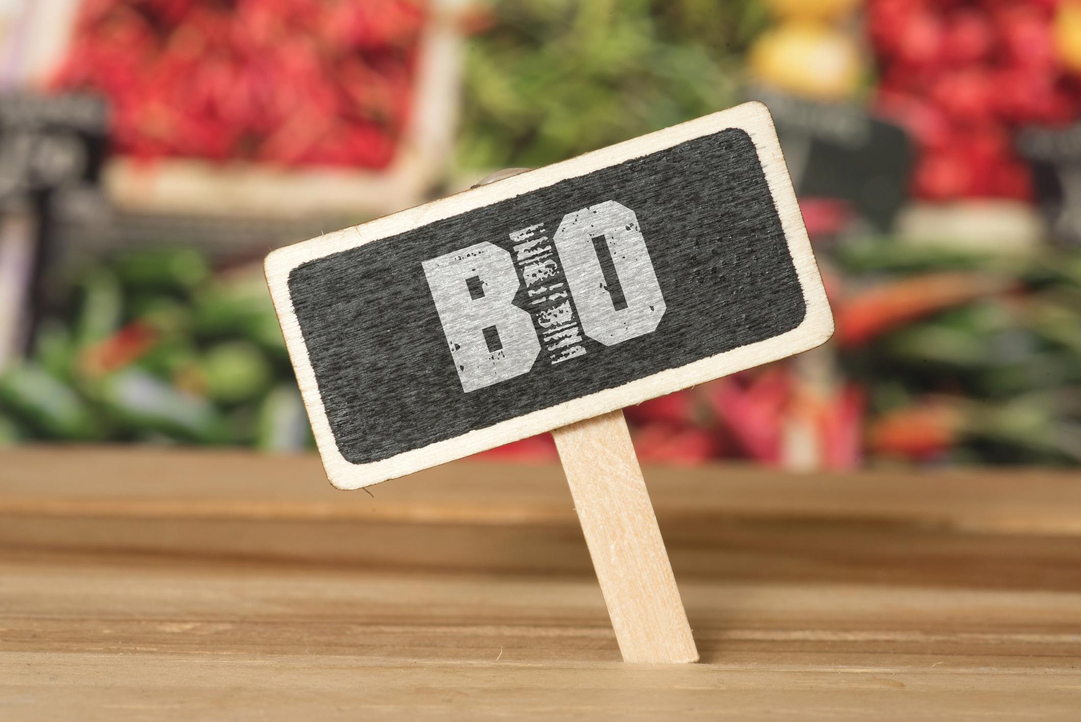 """iStock 1170495626 - Intervention dans le dossier """"Comment manger bio moins cher ?"""" de Cuisine Actuelle"""