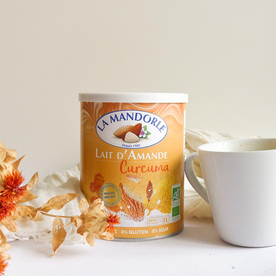 Curcuma latte - Des laits d'amande enrichis aux superaliments