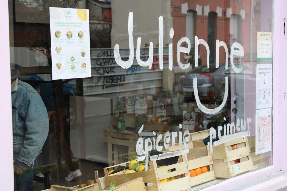chez julienne 06 - Julienne ouvre son premier magasin