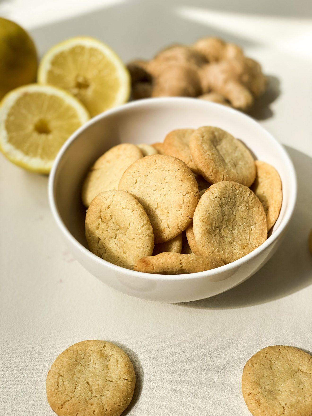 Petits croquants citron gingembre 1320x1760 - Les cookies 100 % d'origine végétale made in Bretagne